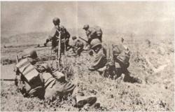 The Philippine 10th Battalion Combat Team counter-attacking at Yultong on 23 April 1951. Source: theunknowngazette.blogspot.com